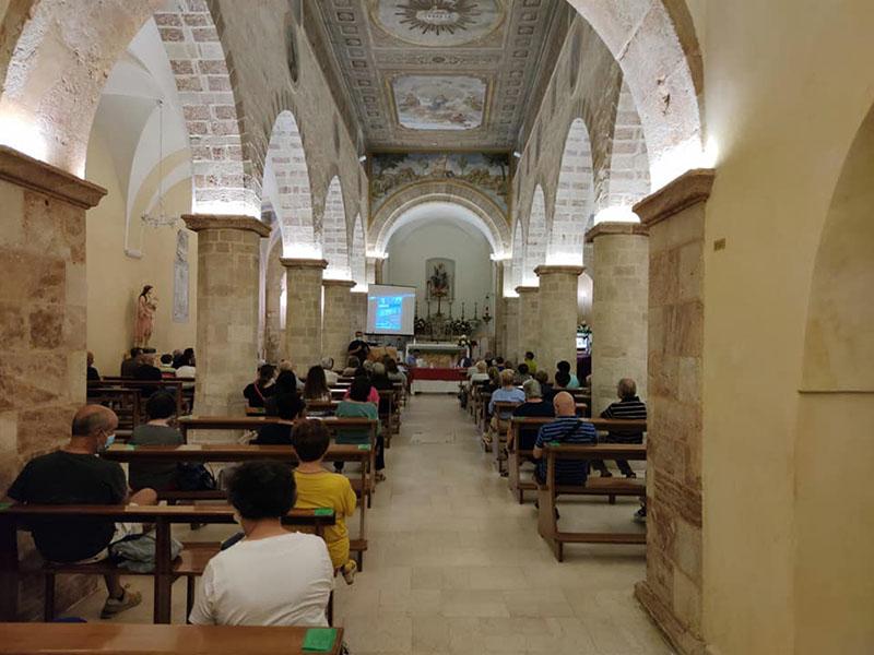 Un momento della manifestazione in Chiesa Madre a Rignano Garganico.